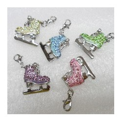 Ice skate pendant enameled with strass
